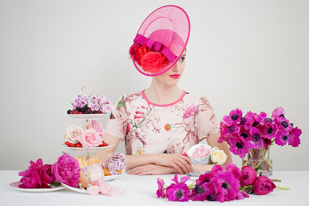 La danza de los sombreros de Belinda Briones
