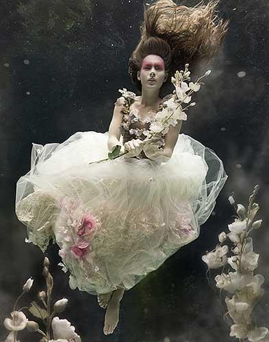 Zena Hollaway magia e inspiración bajo el agua