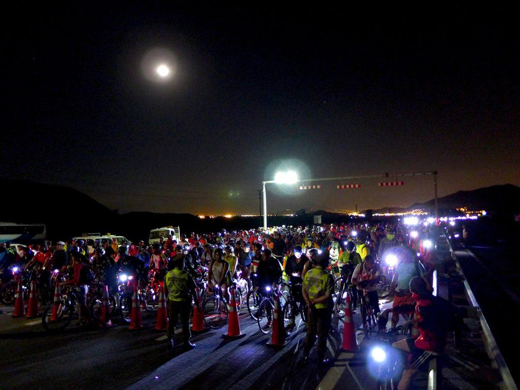 Mágicos 80 km de cicletada nocturna hacia la Virgen de Lo Vázquez