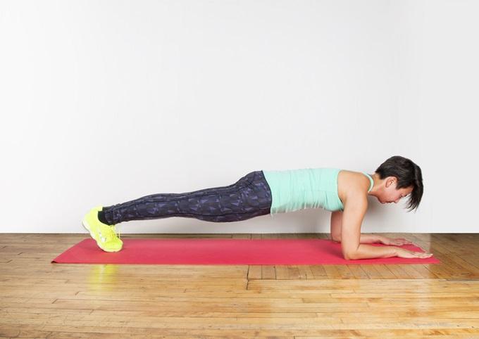 """""""Plank"""" el ejercicio abdominal que trabaja todo tu cuerpo"""