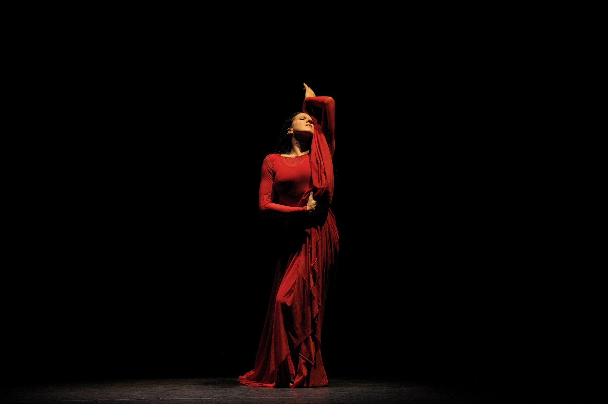 María Pagés, poeta de la danza, bailó su Autorretrato en Santiago
