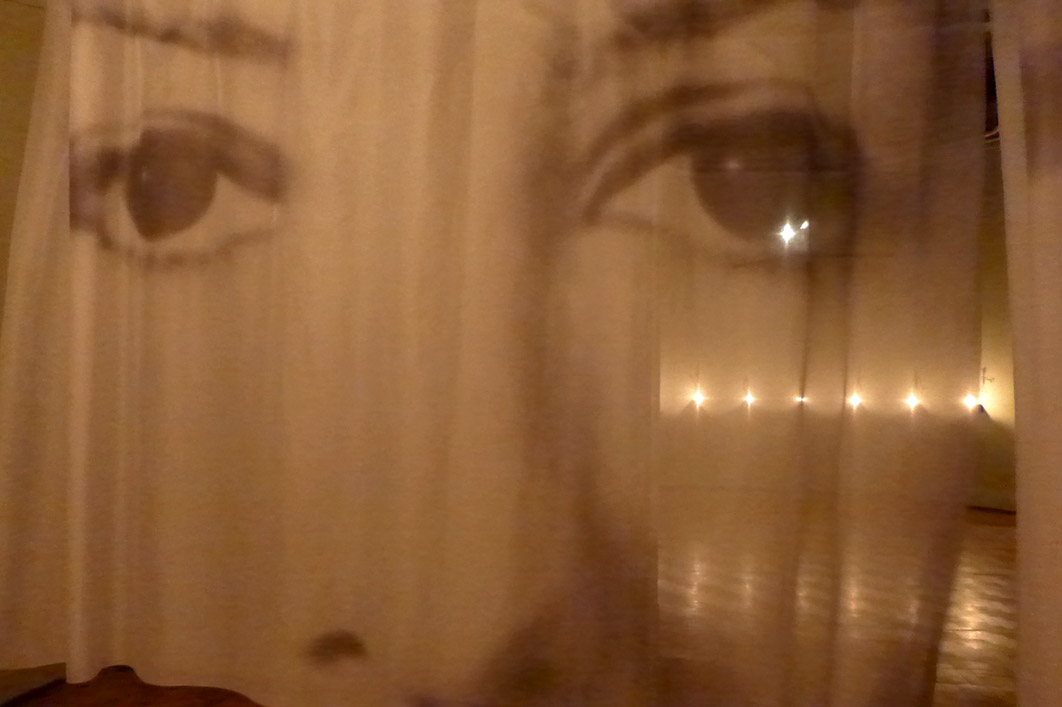 """Un registro de la exposición """"Almas"""" de Cristian Boltansky en el MNBA"""