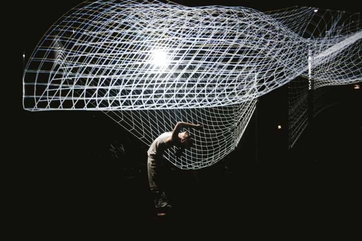 """""""Pixel"""" obra de danza unida a proyecciones 3D"""