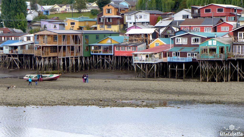 Los Palafitos de Chiloé se renuevan para acogerte en bellos hoteles y cafés