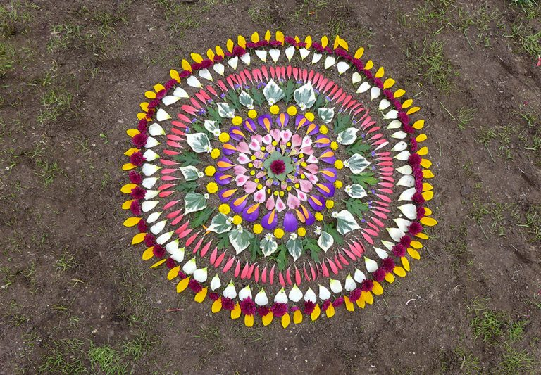 Mandalas con Flores de ellalabella en Wanderlust 108