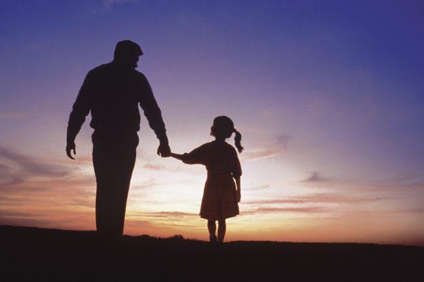 """Carta de un padre a su hija: """"Enamórate de un hombre que te ame tanto como yo"""""""