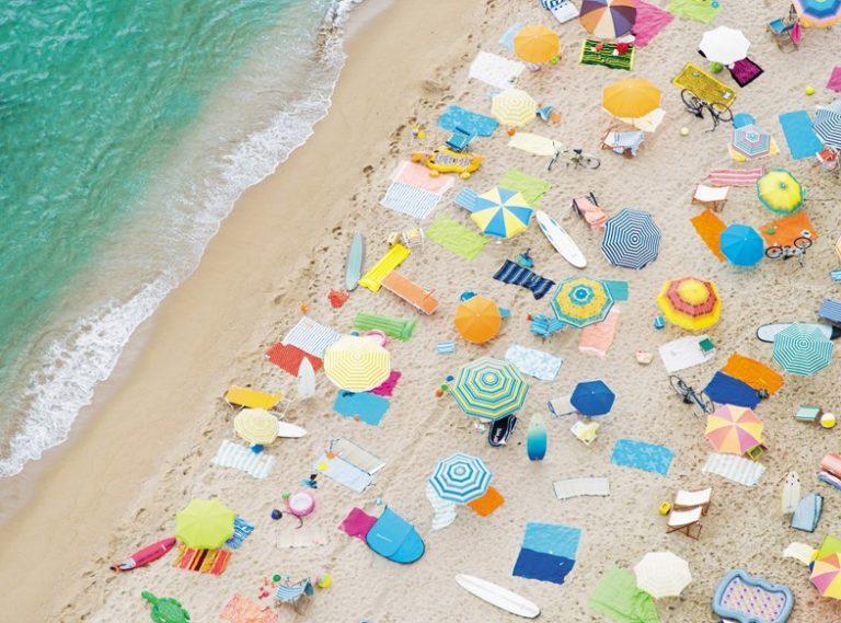 Fotos aérea de las playas y sus gentes convertida en arte por Gray Malin