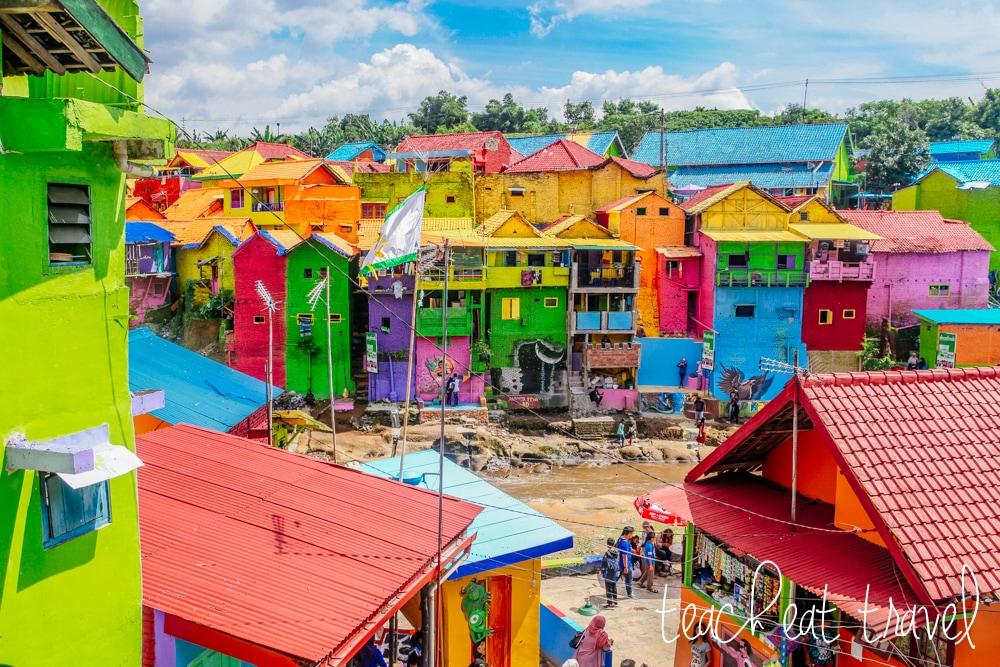 Este es el pueblo al que sus vecinos salvaron con los colores del arcoíris