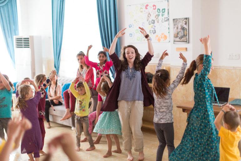 La danza de Lydia Mathis ayuda  a sanar a niños refugiados en Irak