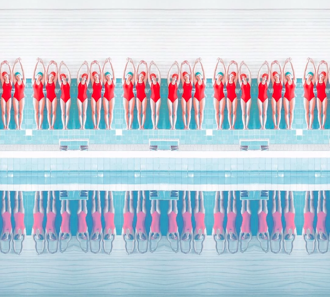 María Svarbova La fotógrafa de piscinas que cautivó al mundo de la moda