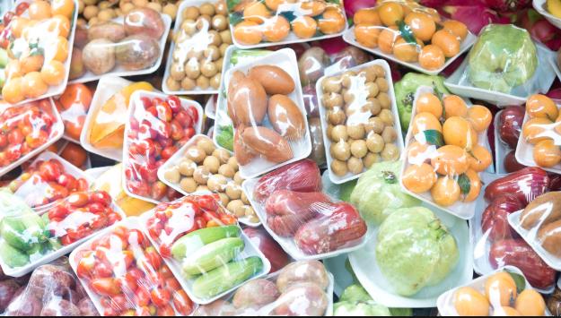 'Plastic Attack!': Una ola de ataques a supermercados para eliminar el plástico