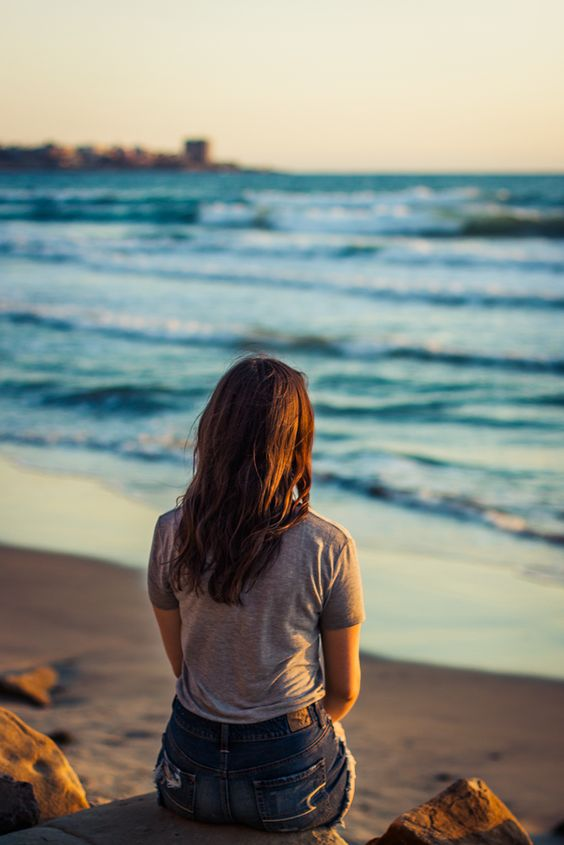 Estudio confirma que mirar el mar activa el estado de felicidad en el cerebro