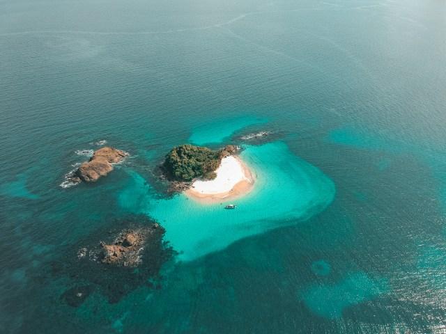 Panamá crea reserva marina casi del tamaño de su territorio